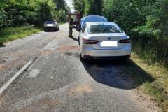 #62 02.08.2021r. droga Przebendowo - Borkowo Lęborskie - konar drzewa powalony na samochód osobowy